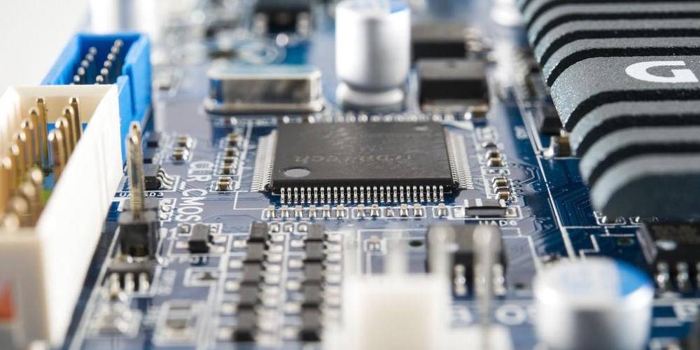 在线式点胶机在PCB板芯片点胶的解决方案
